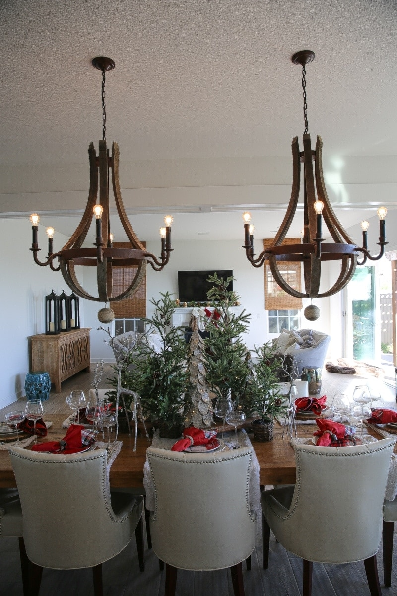 pottery barn holiday decor, table, chairs, dining room, chandiers,