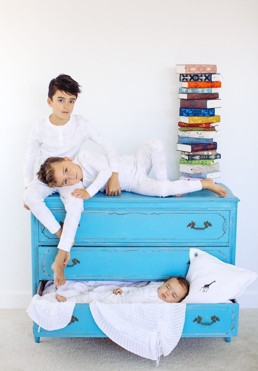 kids on dresser