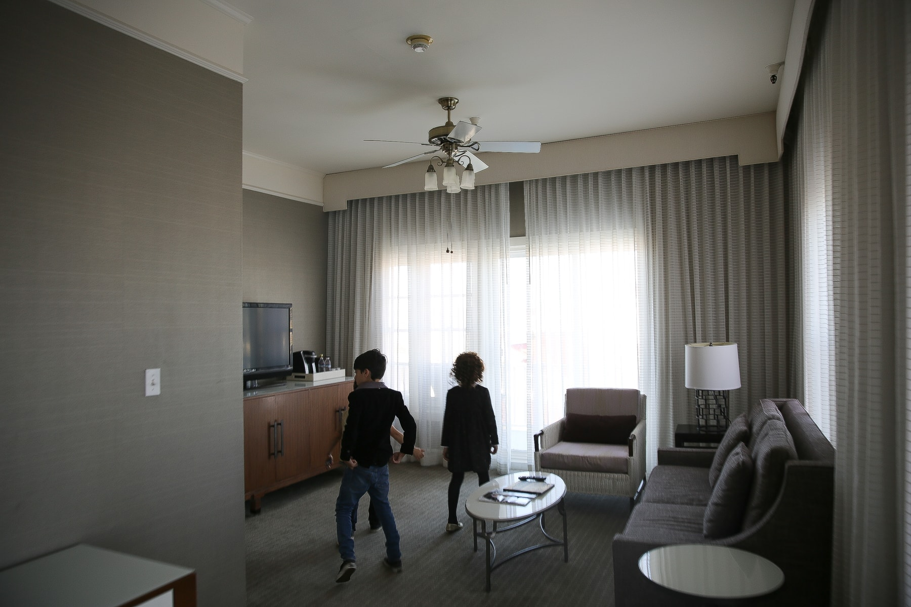 kids in haunted hotel room