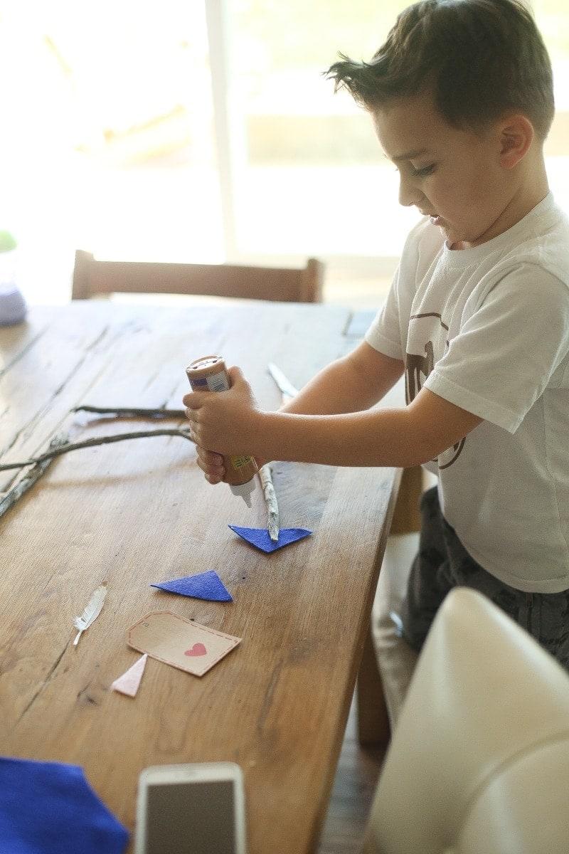 kid making crafts