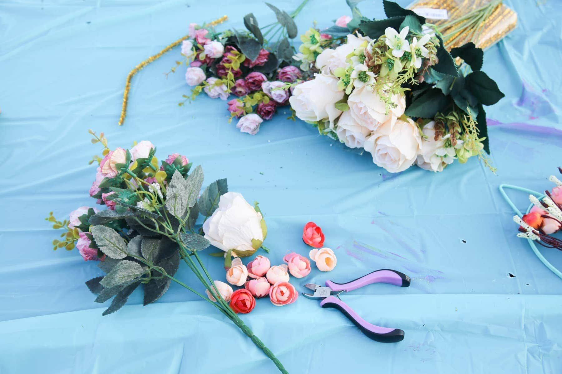 Diy kitten flower crown 10 kitten flower crowns glue gun silk flowers gold pipe cleaners wire cutter izmirmasajfo Images