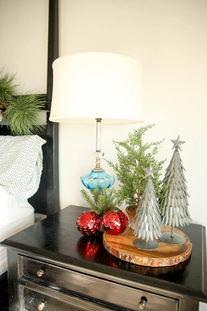 Greenery by the bedside