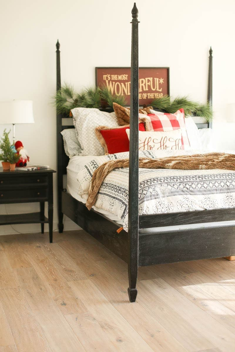 christmas guest bedroom