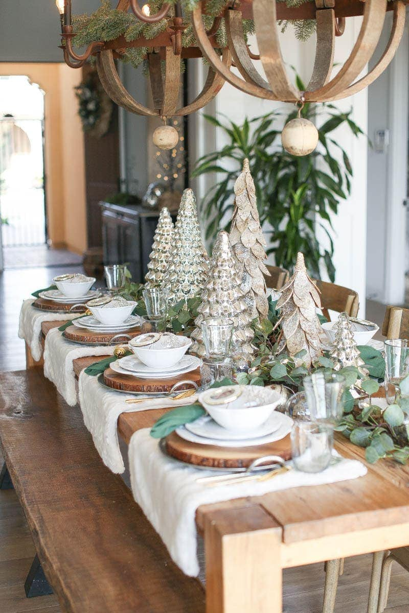 farm style holiday table