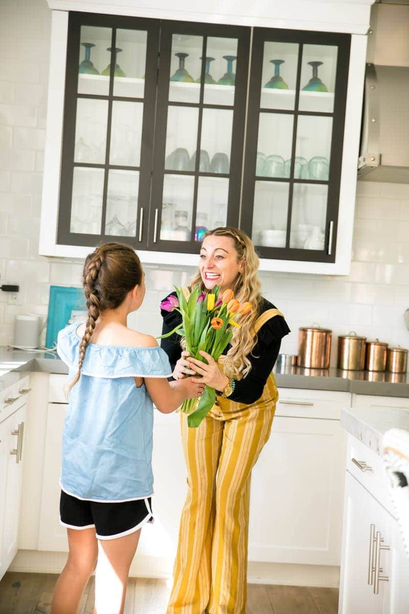 For more than 40 years, 1-800-Flowers.com® has been putting smiles on the faces of moms near and far for Mother's Day. Recently unveiling their 2018 Mother's Day collection with a broad range of price points, 1-800-Flowers.com makes it so easy to provide magic moments to those who matter the most! #mothersday #mothersdaygiftguide #bestflowersformom #flowerarrangments #flowers #giftingflowers #flowersfortable #tuliparrangements #citygirlgonemom