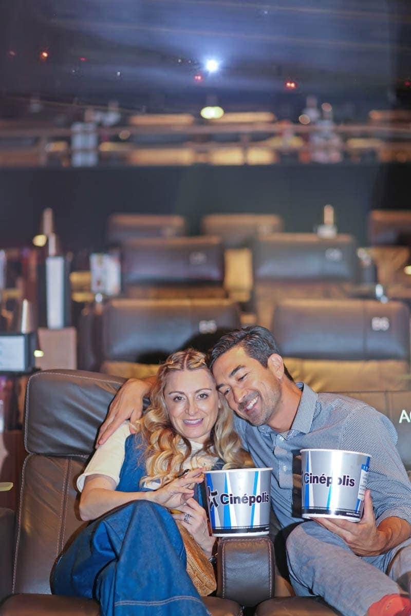 Happy Couples inside the Cinema #movienight #cinepolis #familybonding #familylove
