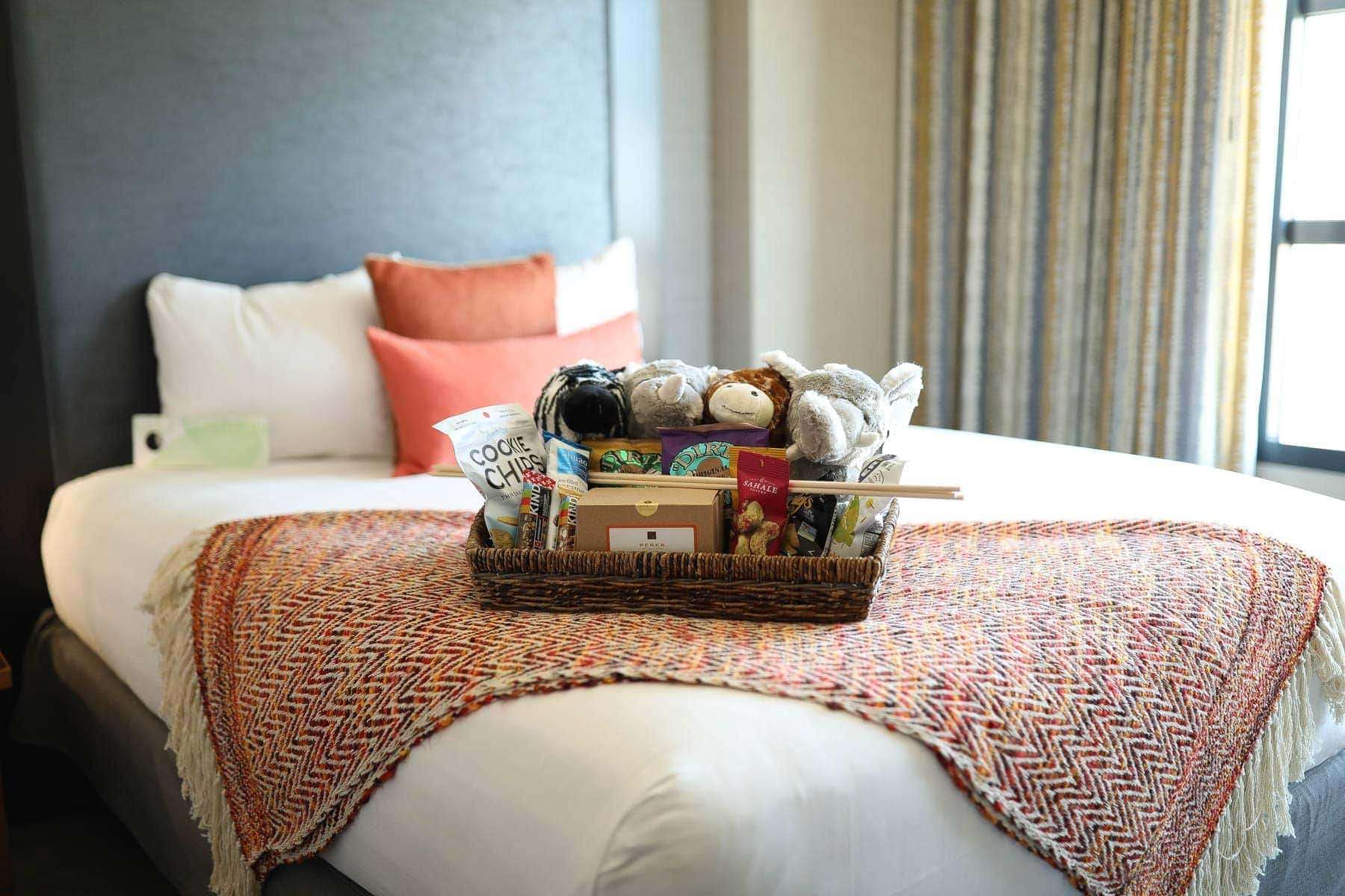 Kid Friendly Bedroom #citygirlgonemom #hyattregency #lajollasandiego #lajolla