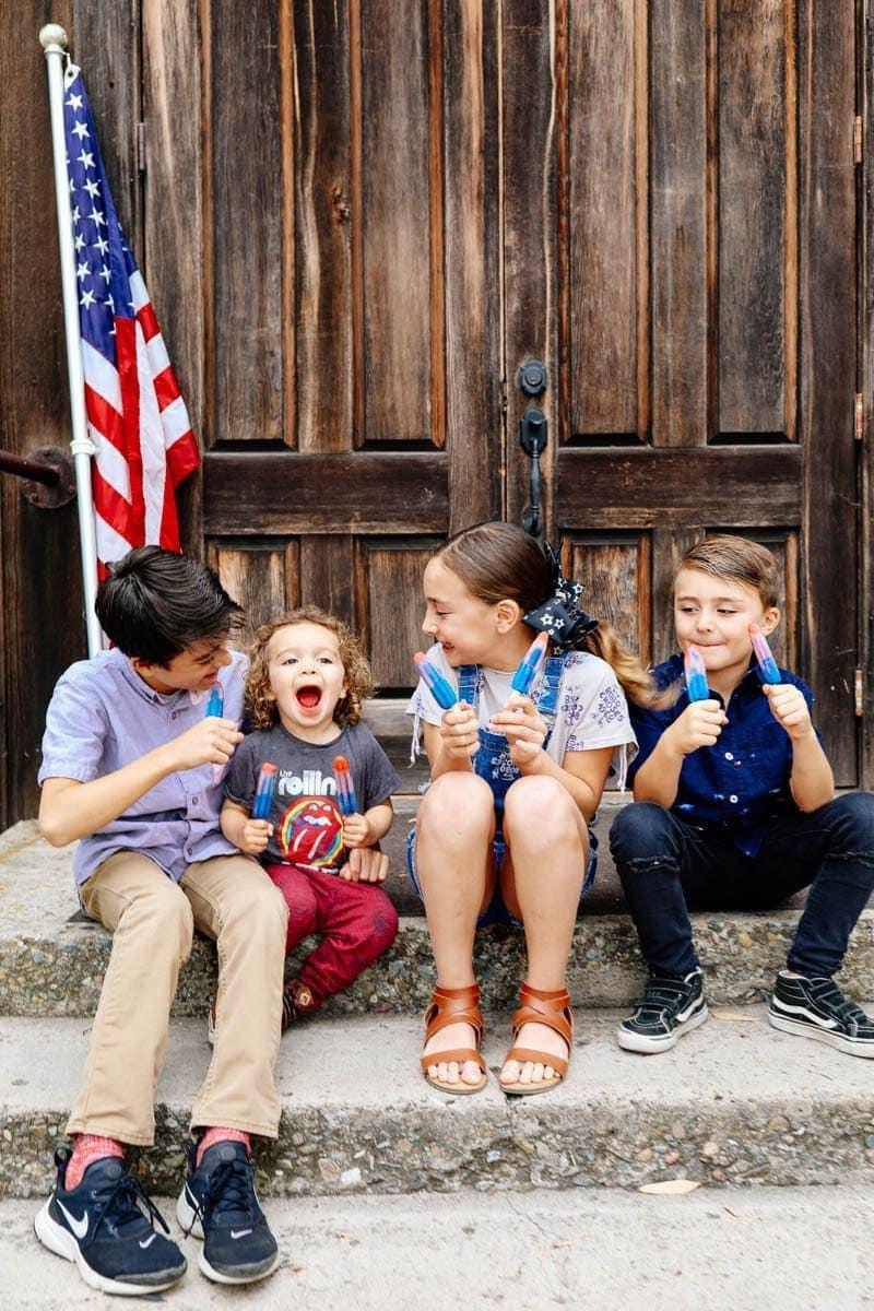 Children Eating Popsicles #sunscreen #kids #summertips #summerparentingtips #citygirlgonemom #spf