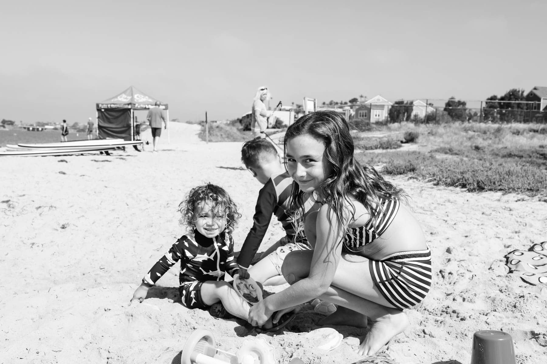 Kids enjoying the Sand #familytravelsandiego #sandiego #fourseasonsresidenceclub #bigfamilytravel
