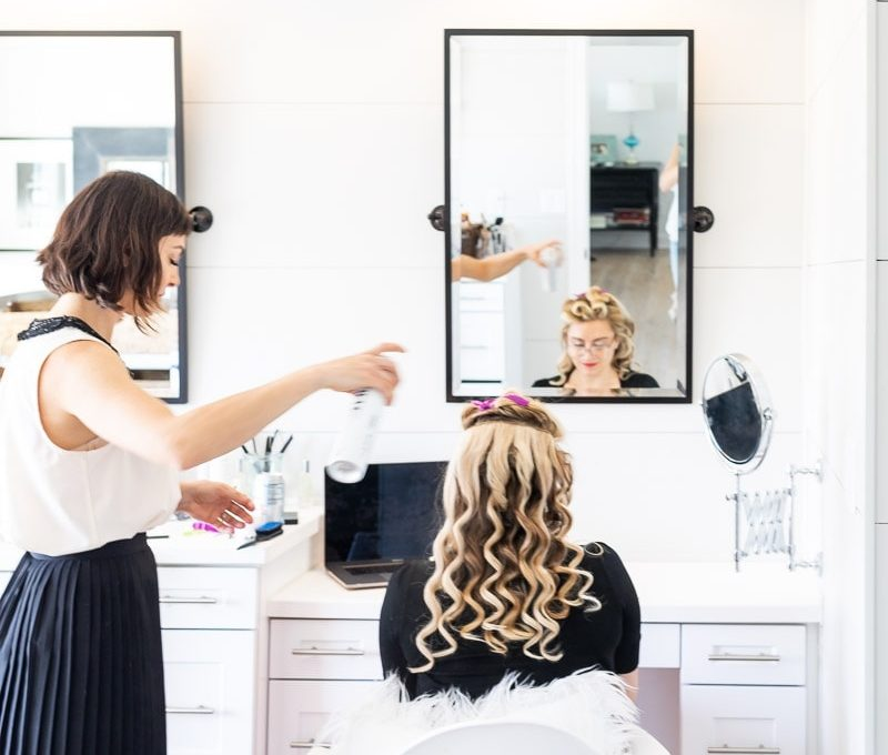 How To Create A Vintage Wave Hair Style