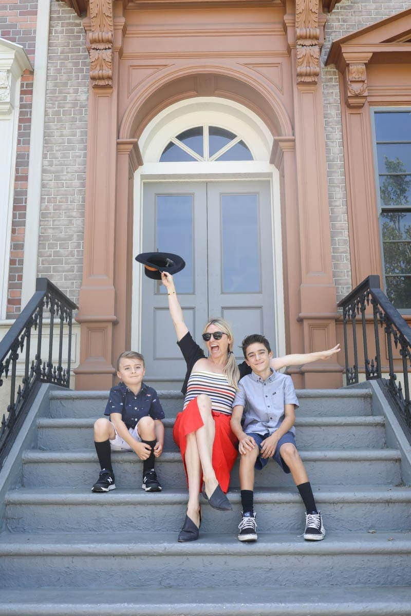 Mom and 2 Kids on the Stairs #hollywood #warnerbrothers #teentitansgotothemovies #citygirlgonemom