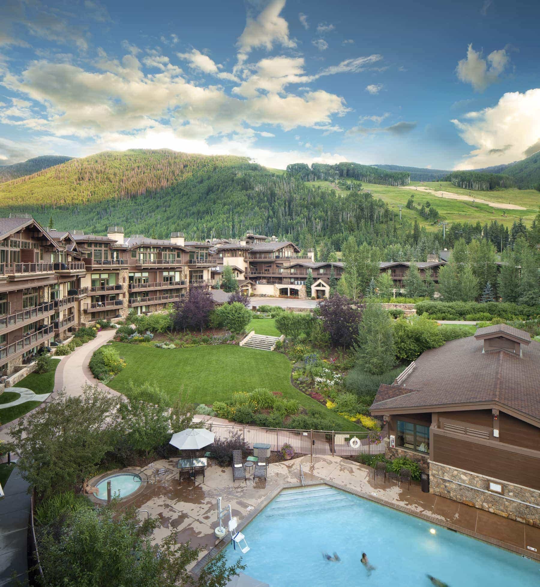 The Manor Vail Lodge View #summer #vailcolorado #vacation #citygirlgonemom