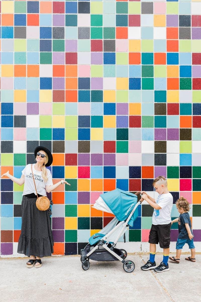 mom and kids mural lajolla
