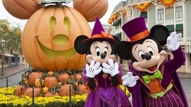 pumpkins and mickey and Minnie Disneyland