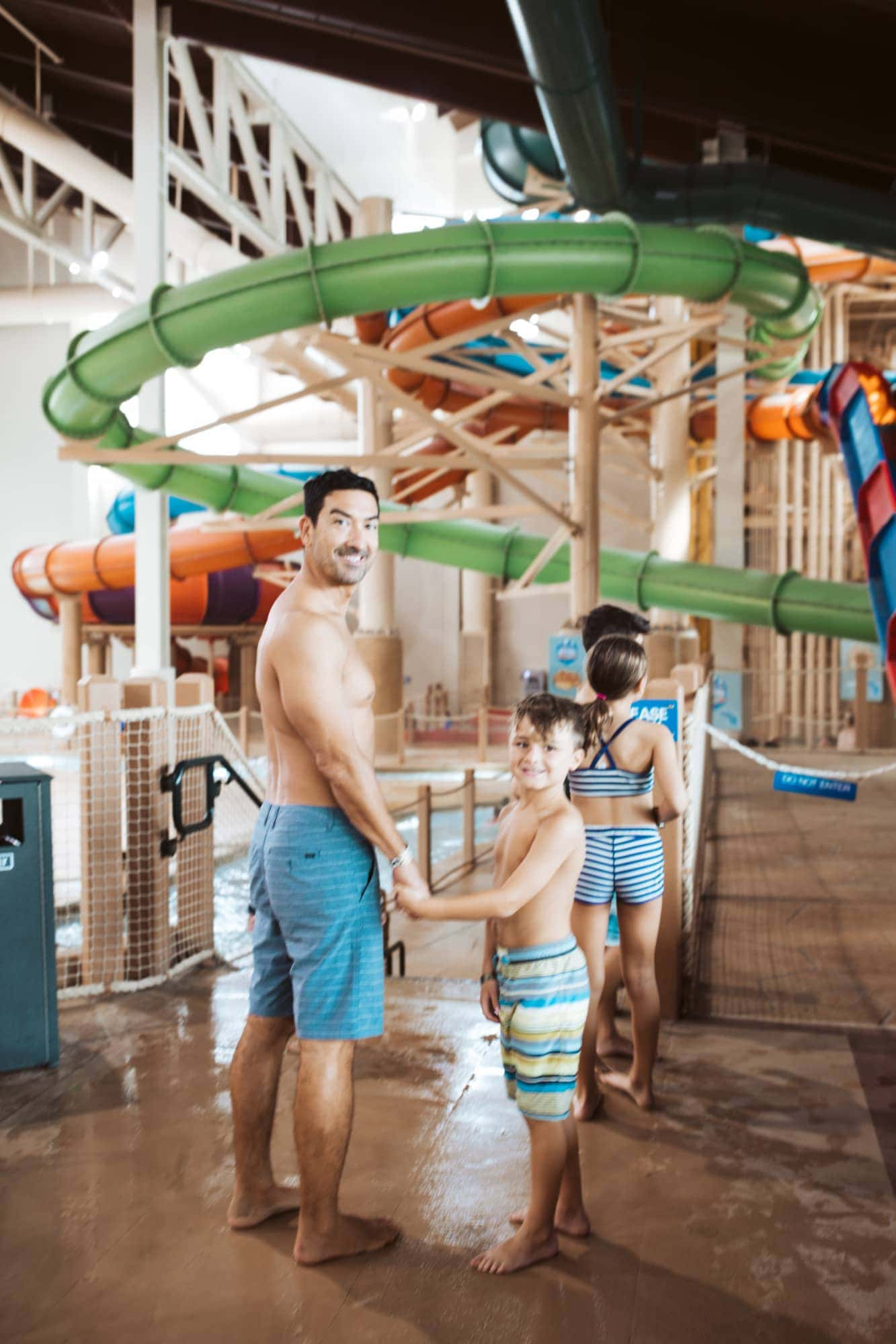 dad and son great wolf lodge