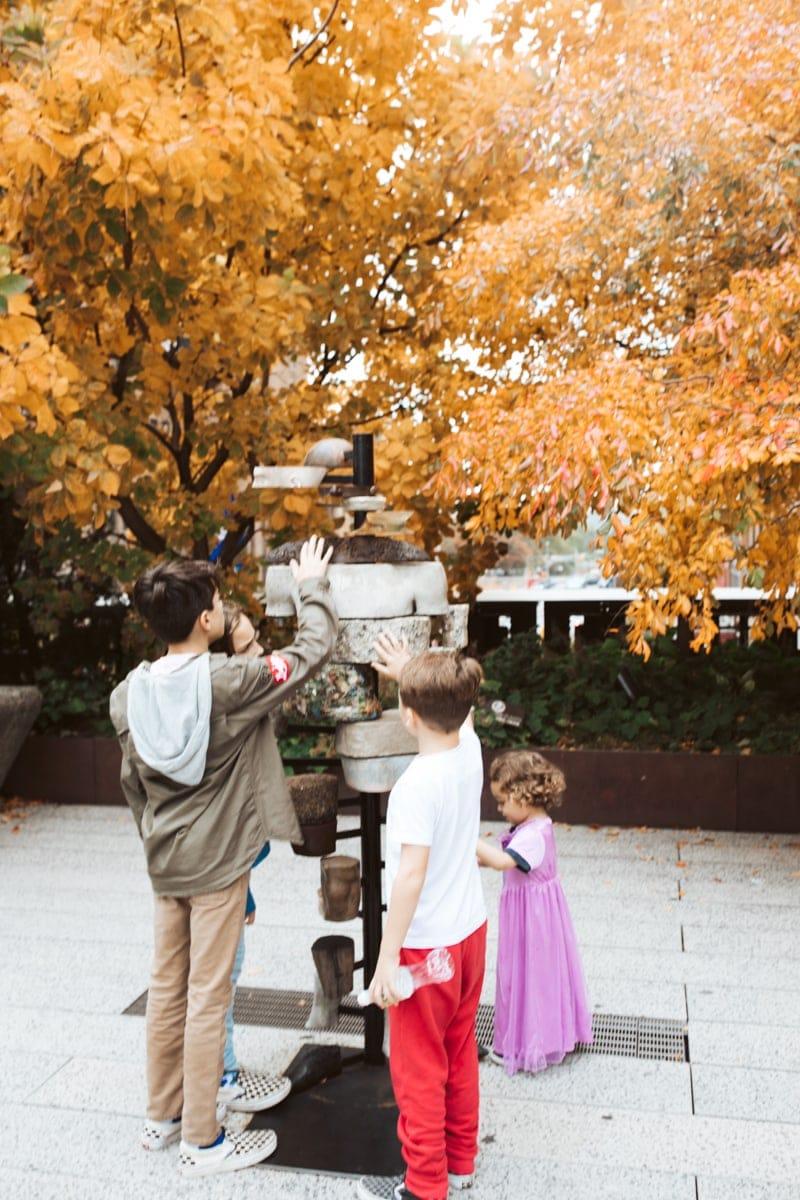 Kids touching art