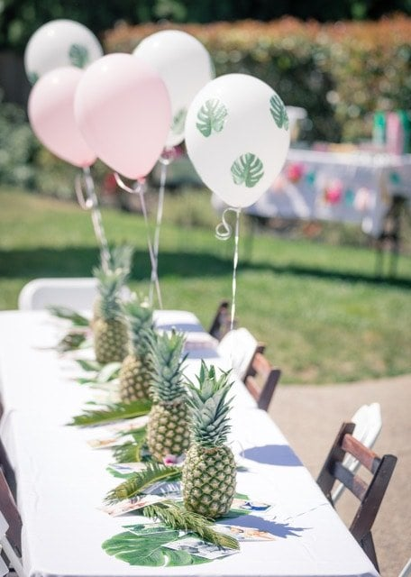 birthday pineapple table