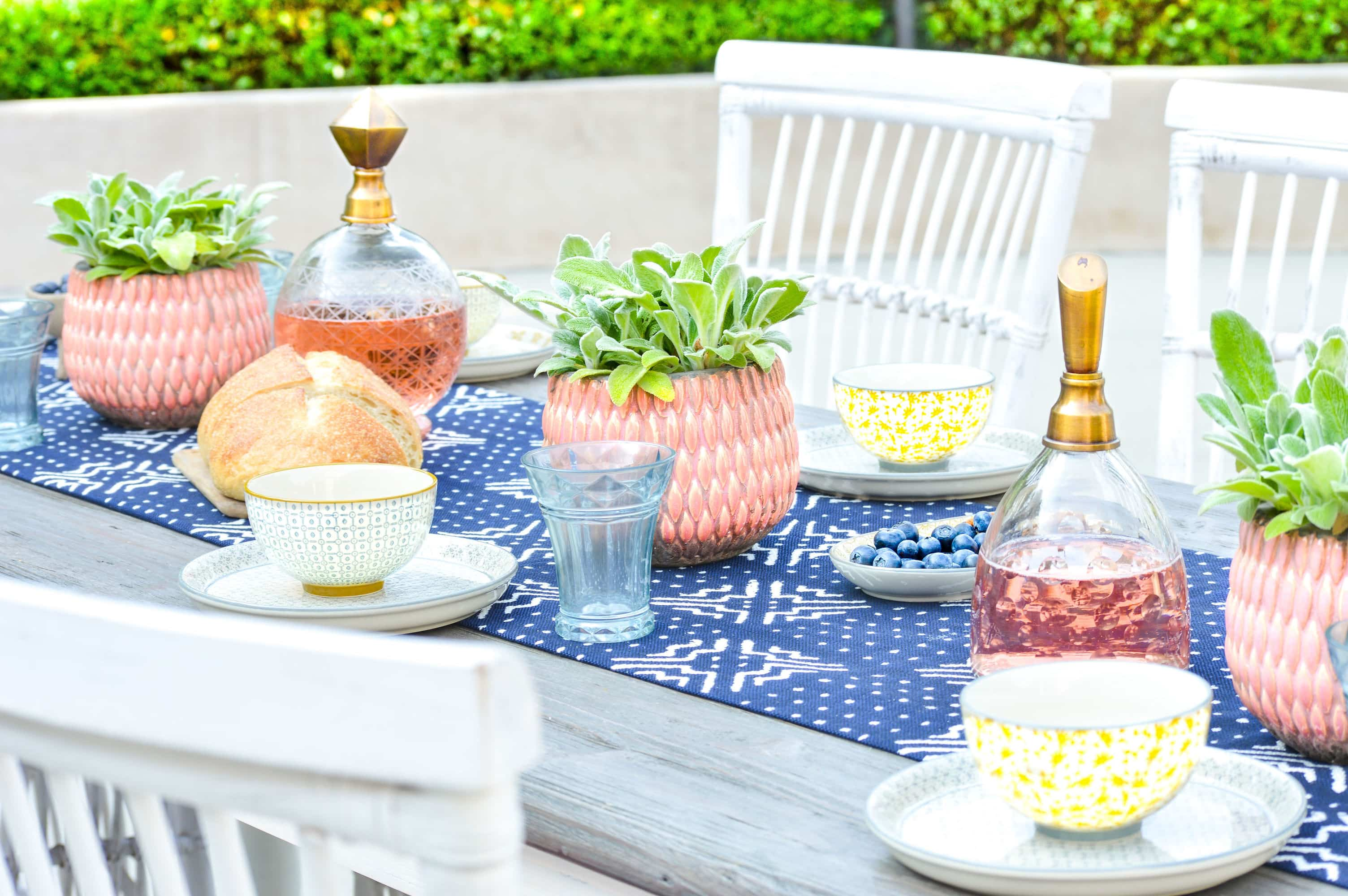 patio dining decor