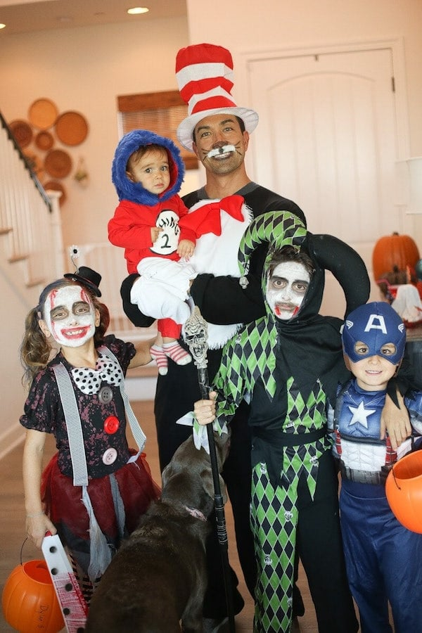 halloween family in costume