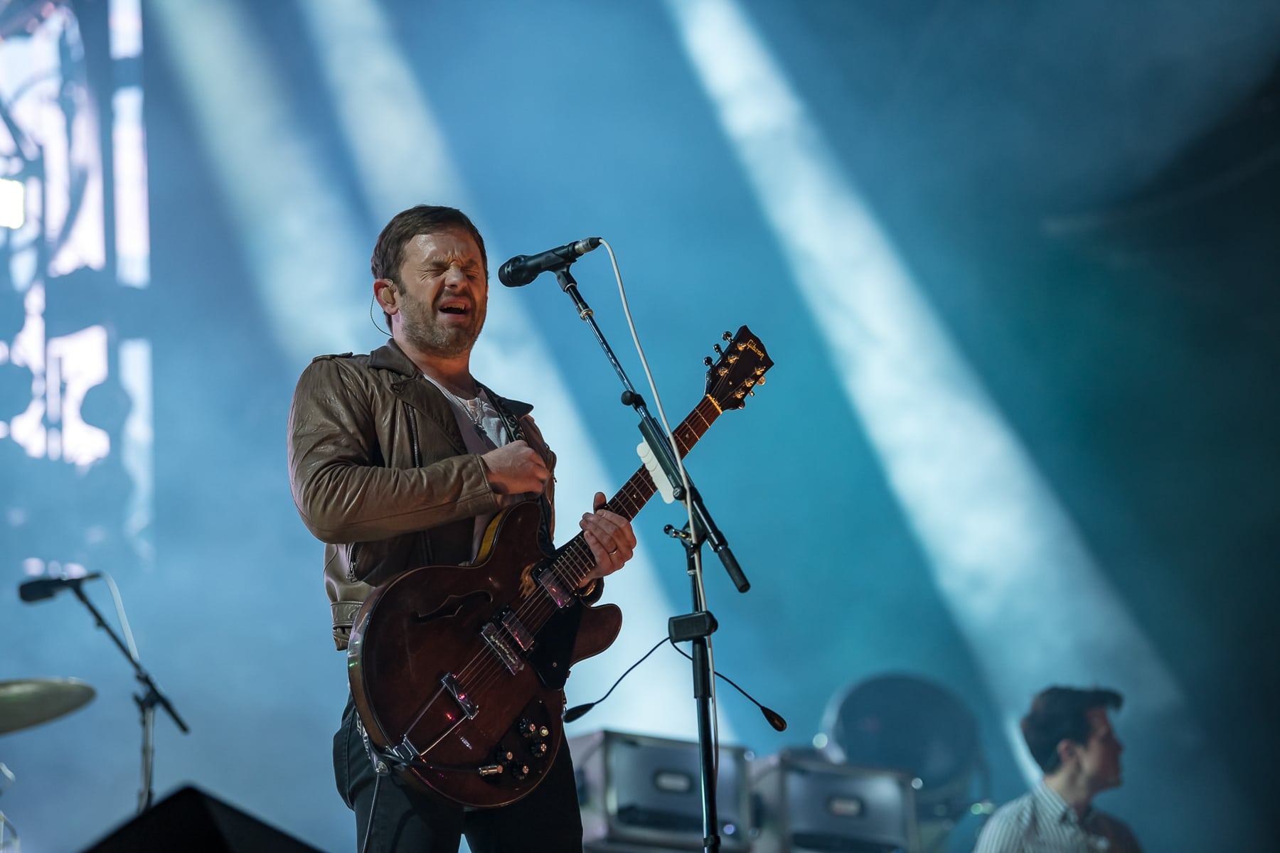 kings of leon band onstage