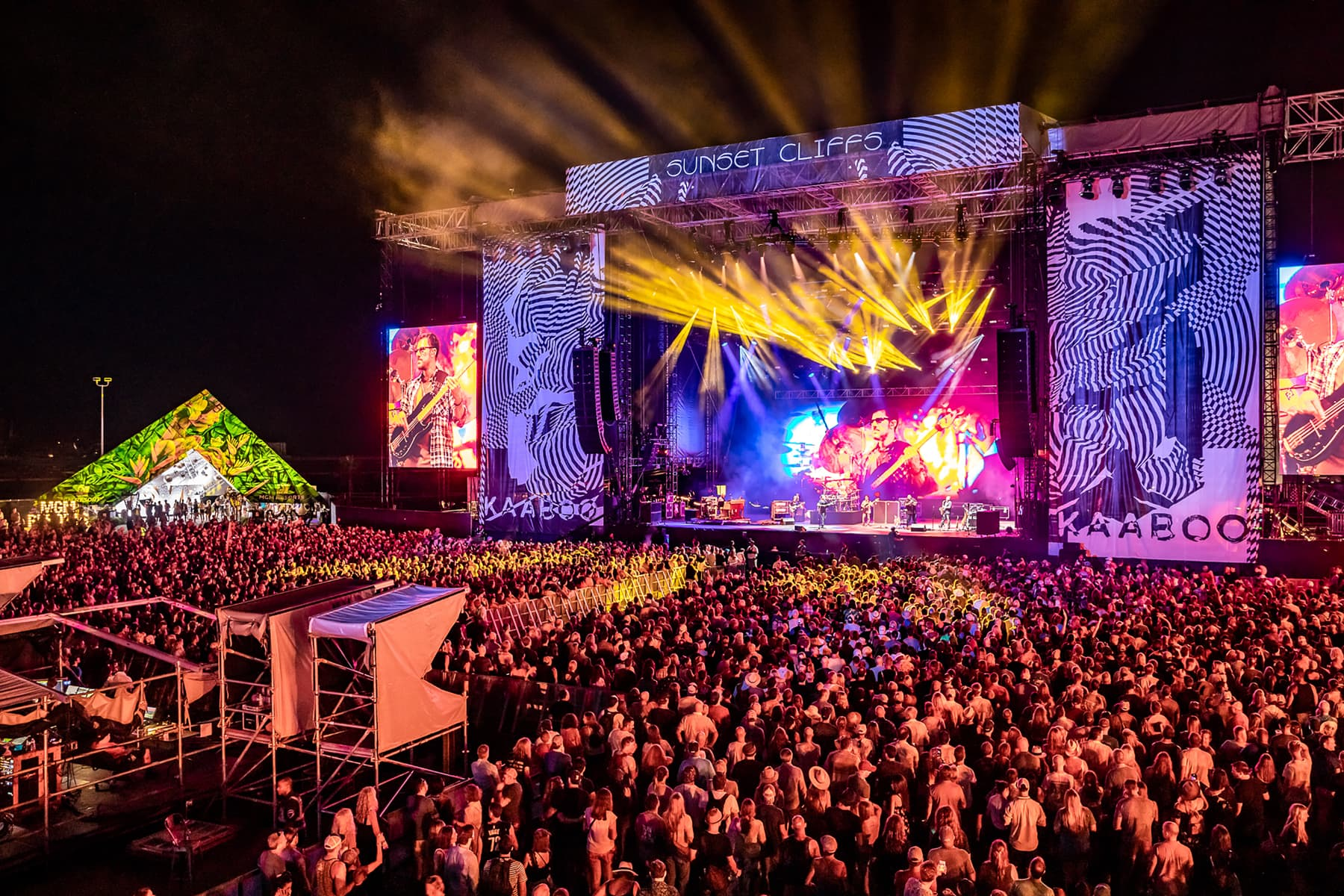 live stage concert