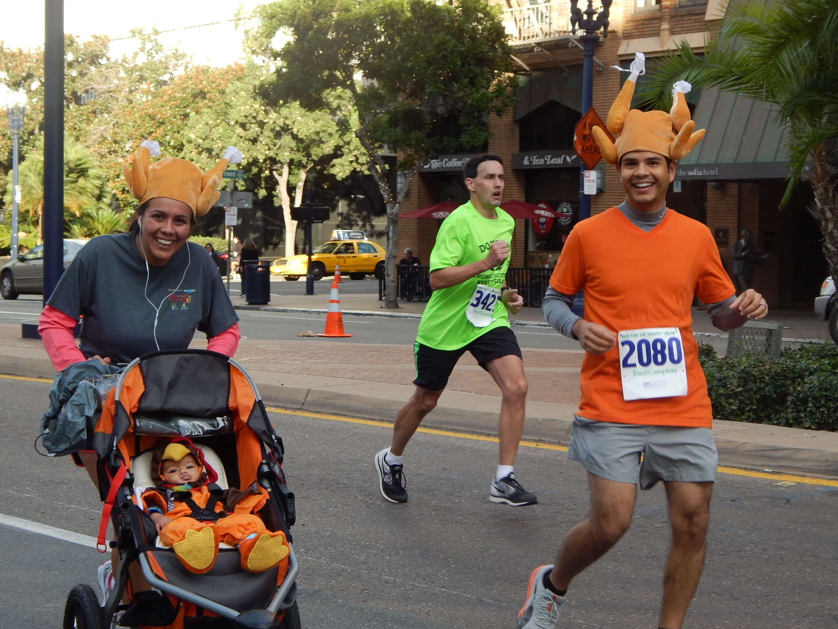 thanksgiving day marathon family