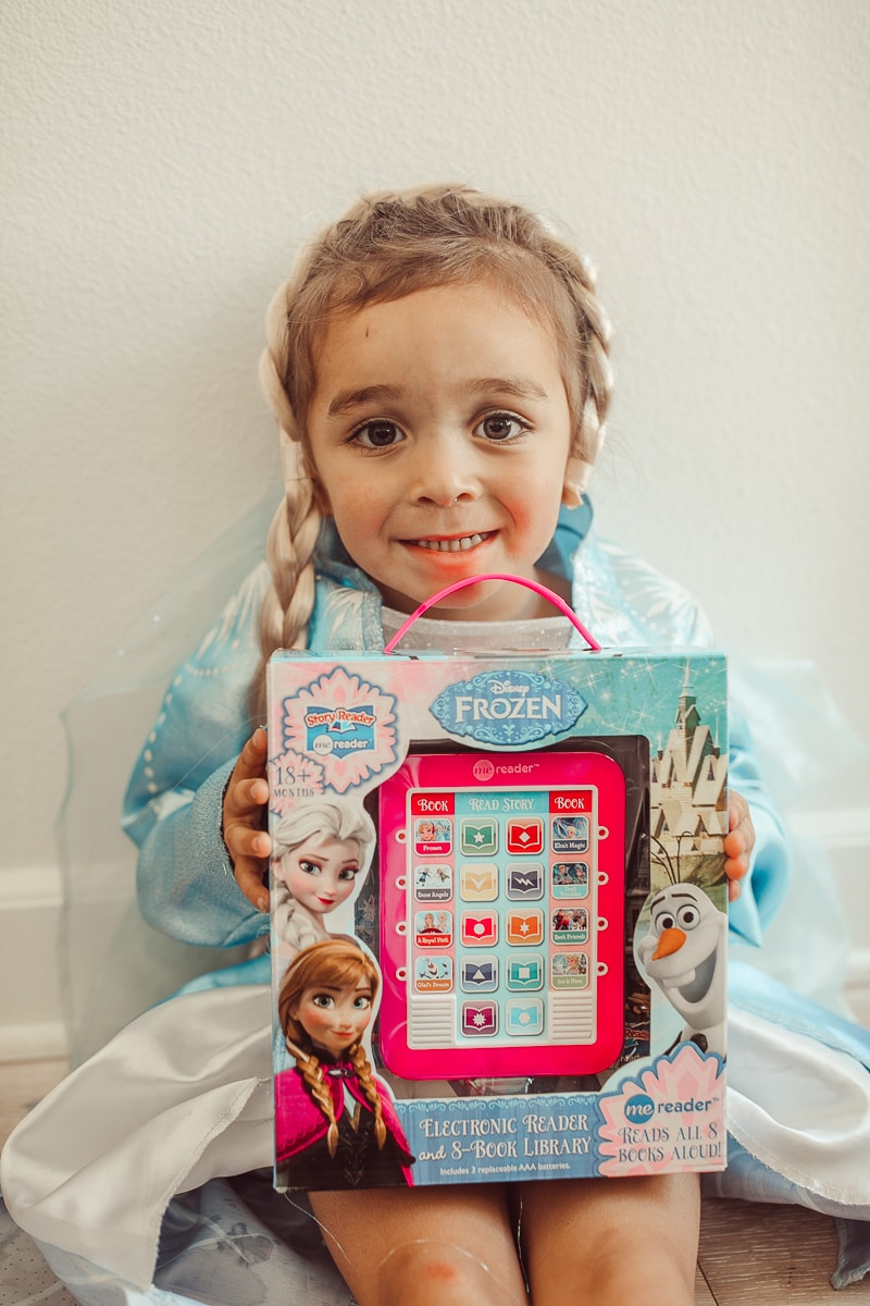 todder with disney frozen toy