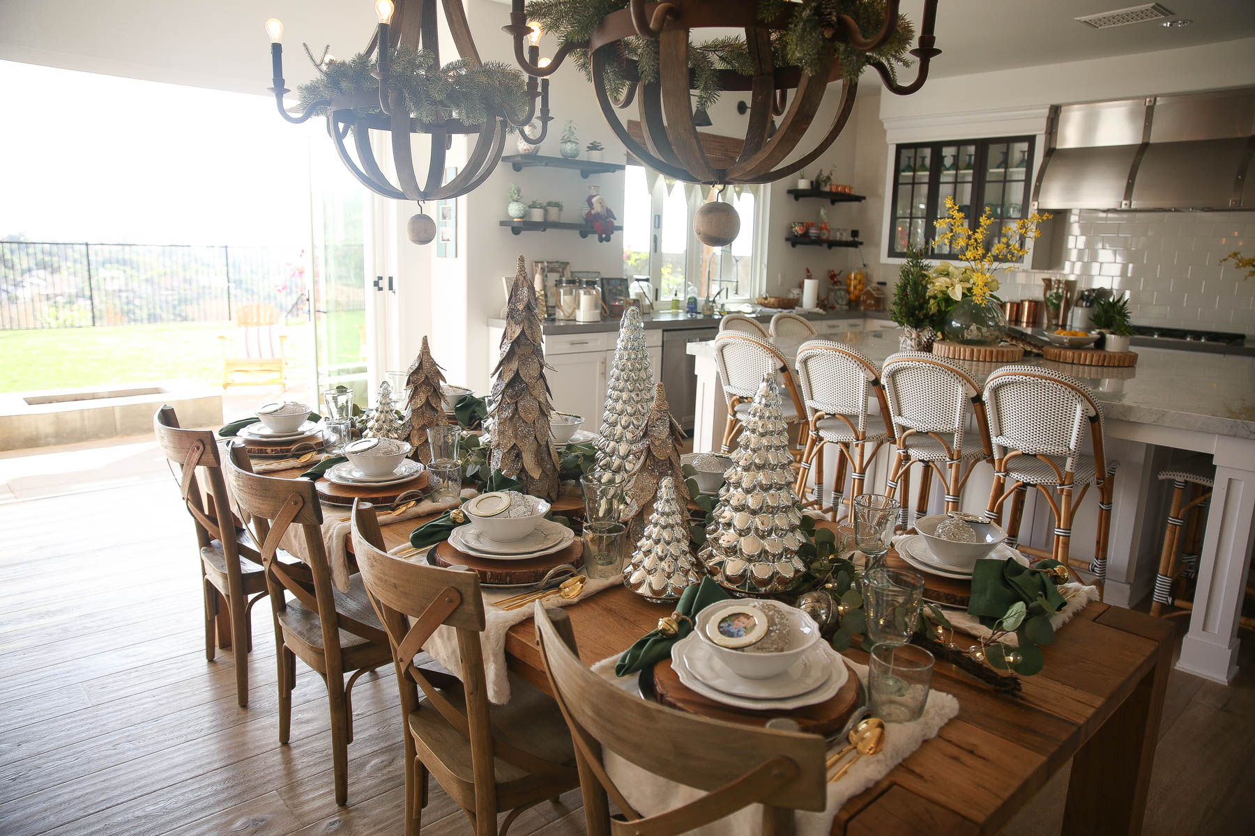 holiday farmhouse table