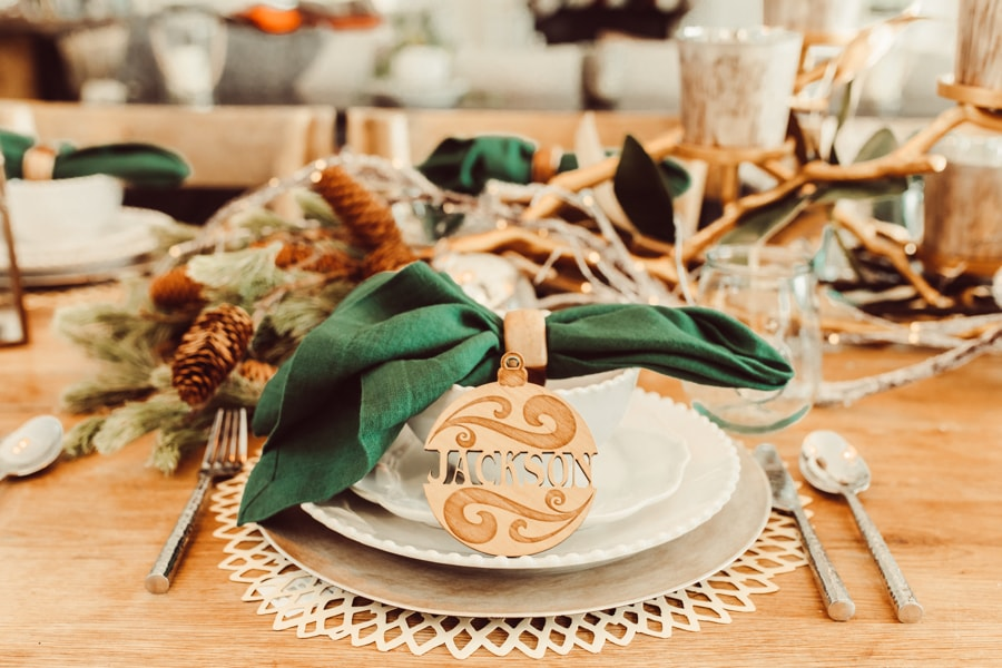 christmas table placesetting