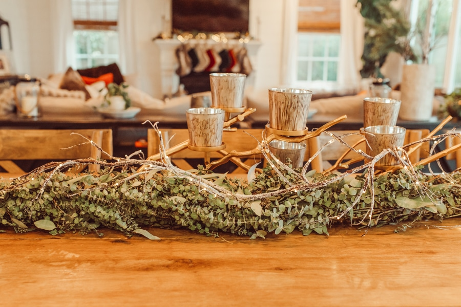 live garland on table top