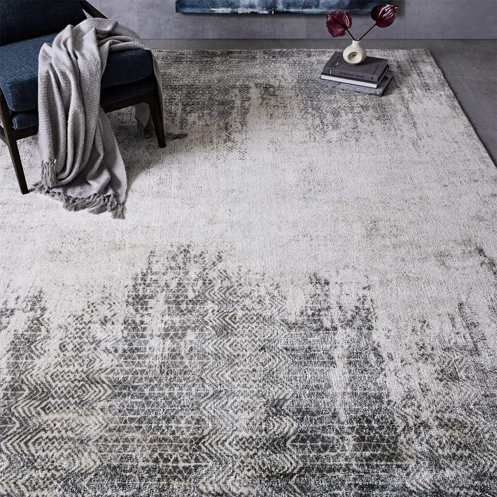 grey rug in sitting room