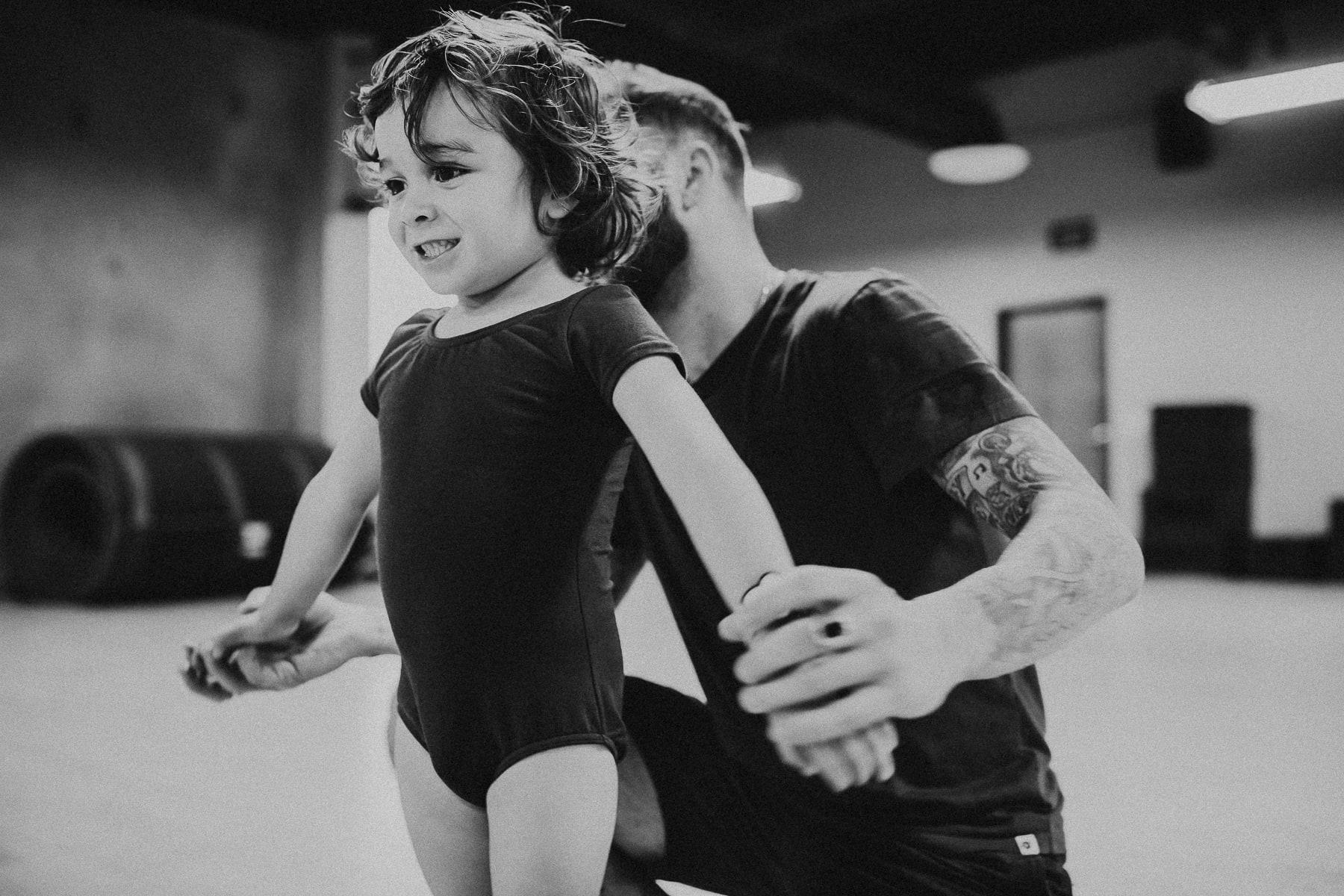 toddler in dance class