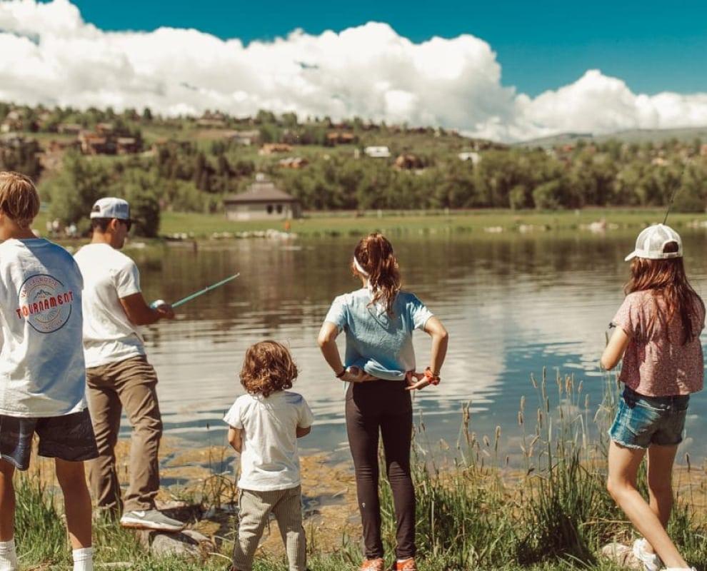 kids fishing at lake