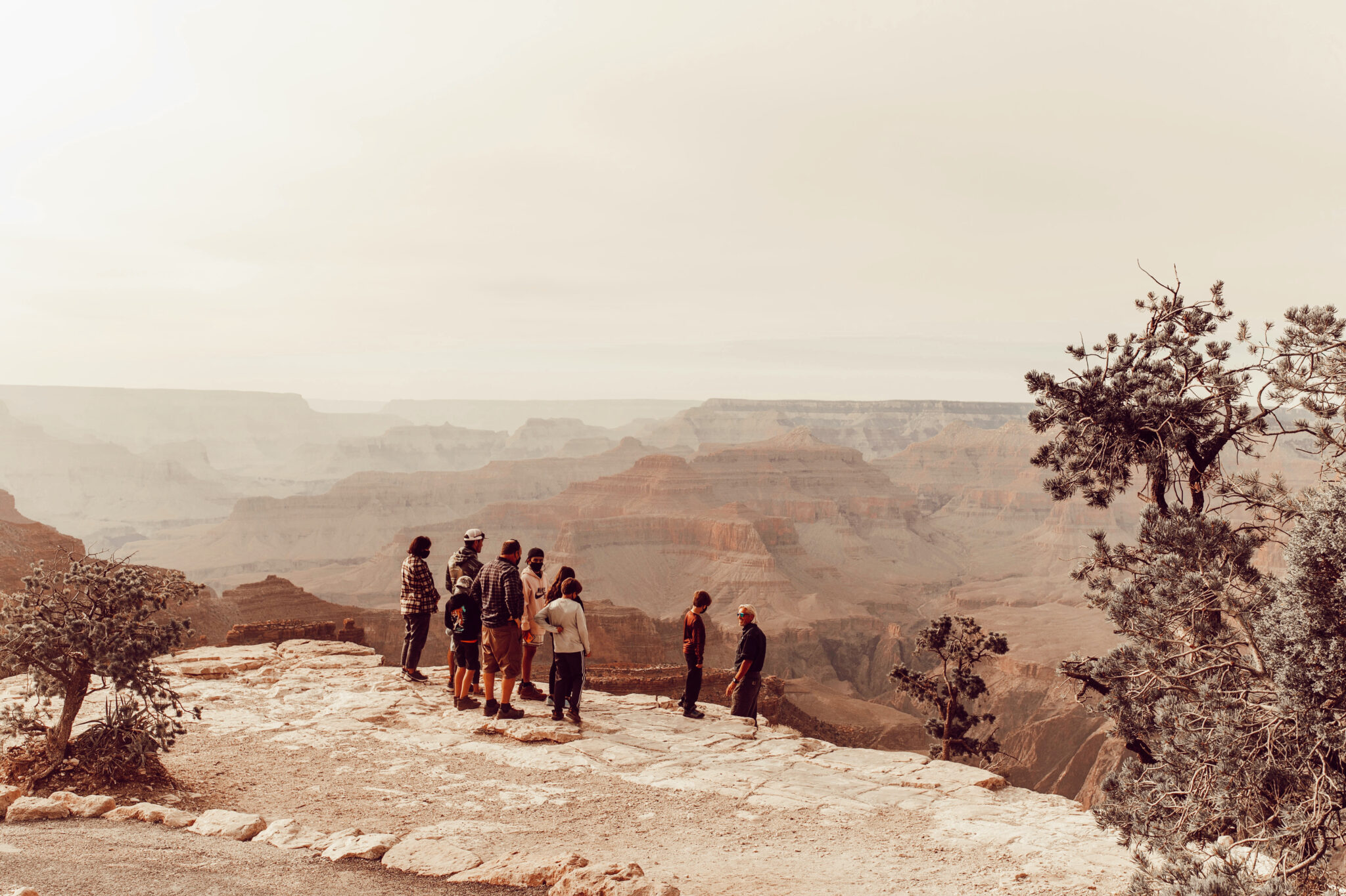 people on rim of grand canyon