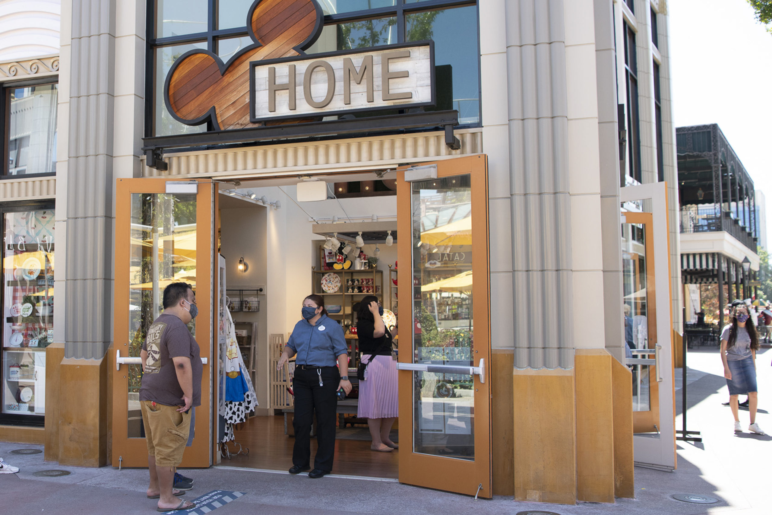 downtown disney home store