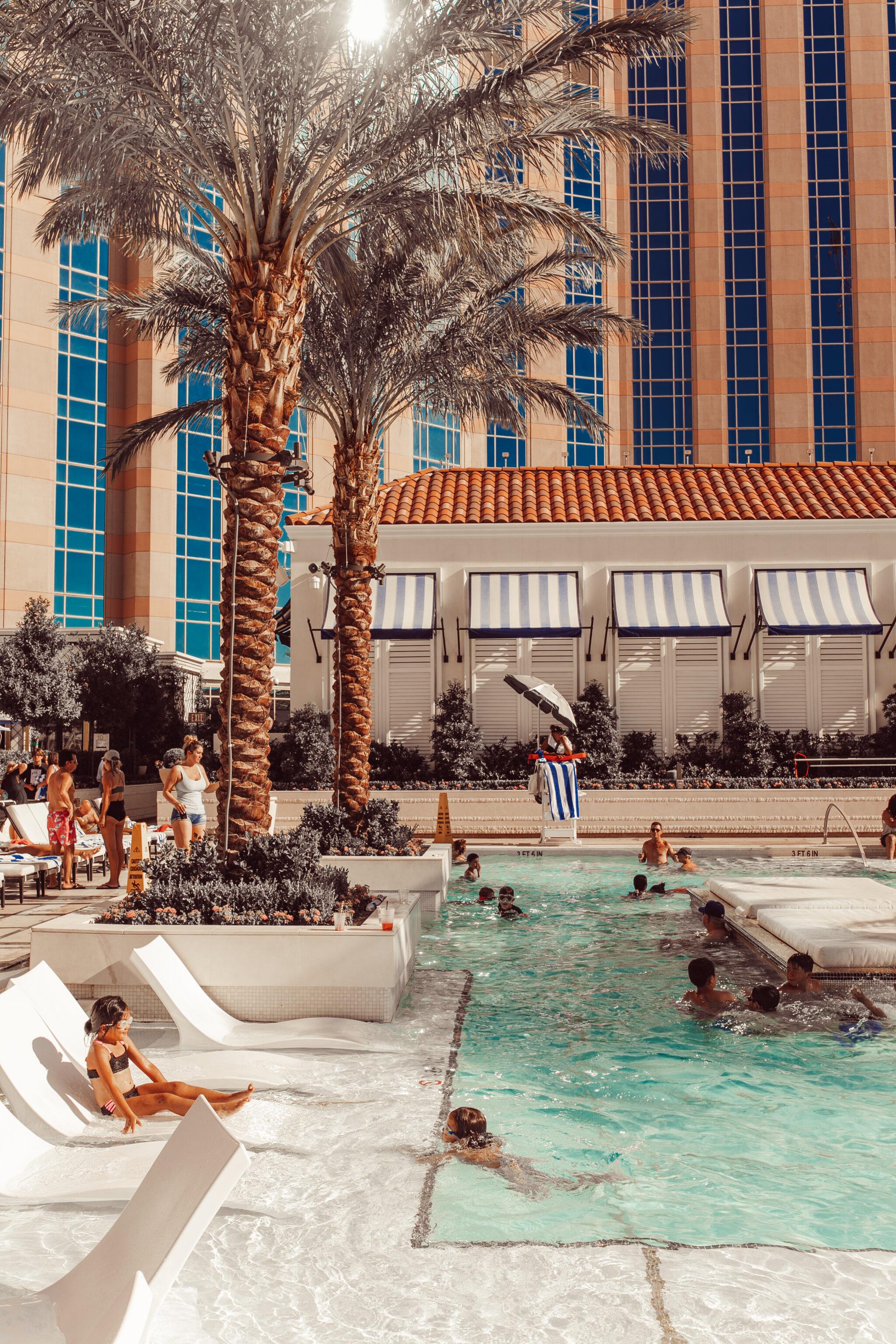 venetian hotel pool