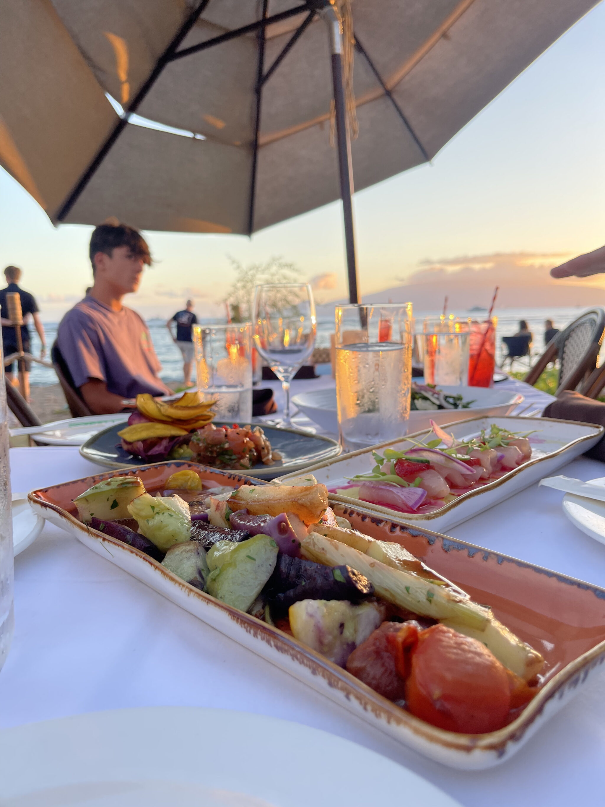 beachside restaurant dishes